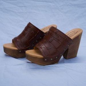 Kork-Ease Charissa in Cognac Brown